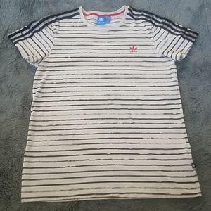 Addias tshirt
